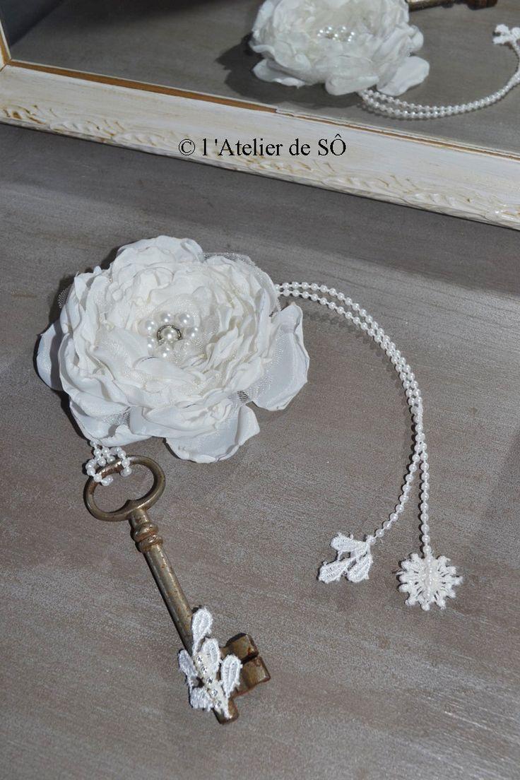 Clé décoratif avec sa fleur romantique : Accessoires de maison par latelierdeso
