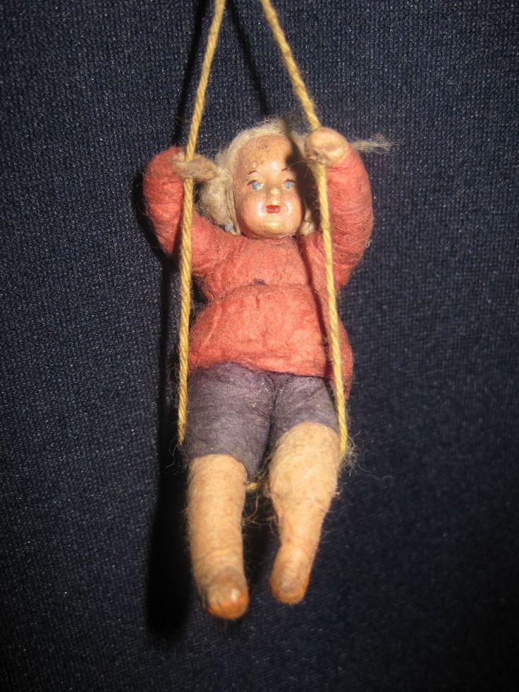 Елочная игрушка Ребенок на качелях. Вата. 30-40-е г.г.