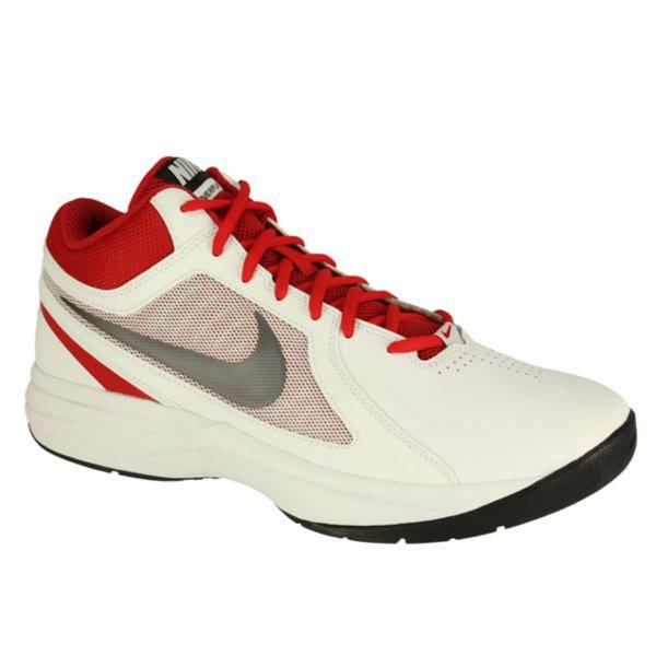 Sepatu Basket Nike The Overplay VIII 637382-104 memiliki outsole karet pada sepatu memberikan daya tahan ketika digunakan bermain basket di lapangan indoor maupun outdoor. Harga sepatu ini Rp 599.000.