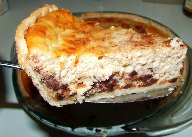 Cannoli (Ricotta) Pie ~ It tastes like a cannoli. Yummers!
