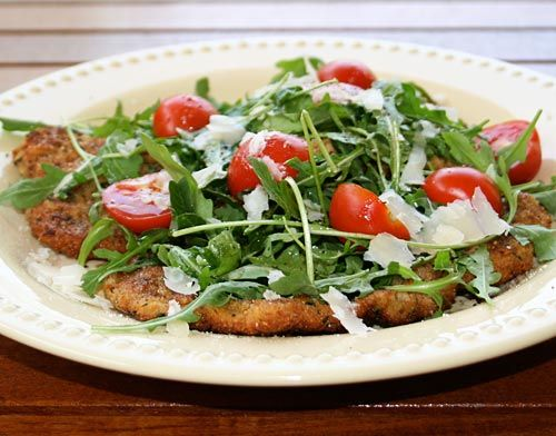 VEAL SCALLOPINI WITH ARUGULA SALAD *Frying pan/skillet http://www.italianfoodforever.com/2008/05/veal-scallopini-with-arugula-salad/