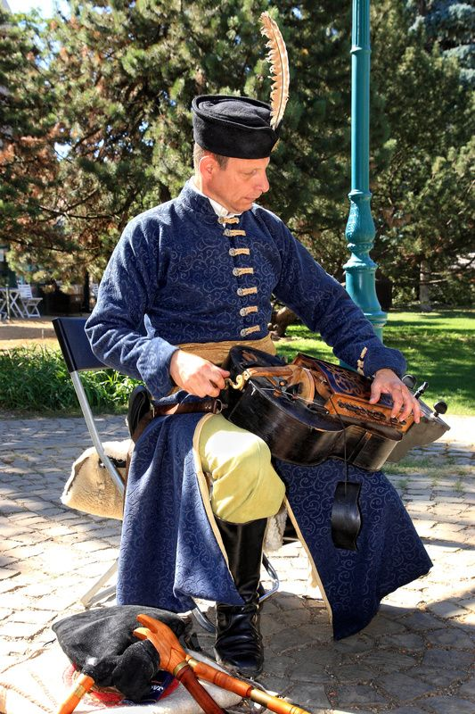 The Tekero Player -( tekerőlant ) - Budapest