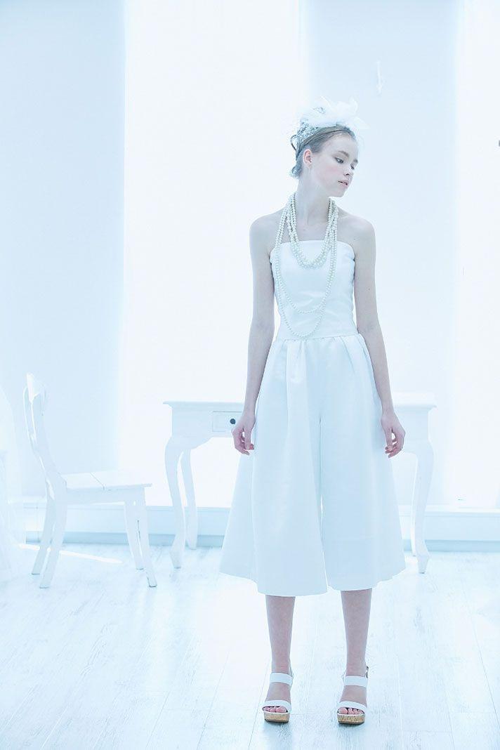 No. DBW-075/P –他にはないオリジナリティあるドレスが、ここに。ガウチョパンツスタイルで私らしいウェディングスタイルの完成。
