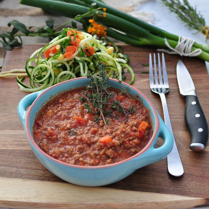 Here's a handy tip for this delicious Zucchini Paleo Pasta with Organic Bolognese - Warm up in oven at 180c with lid on for 10-15min. Alternatively, microwave for 2-3 minutes with lid.  #performanceeating #goldcoast #bolognese #heatingtip #healthymeals #paleo #dairyfree #glutenfree #organic #freerange #highprotein