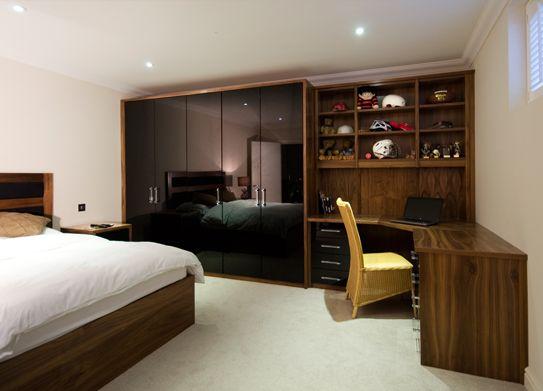 Quarto de casal pequeno com guarda roupa em l pesquisa for Fitted bedrooms 0 finance