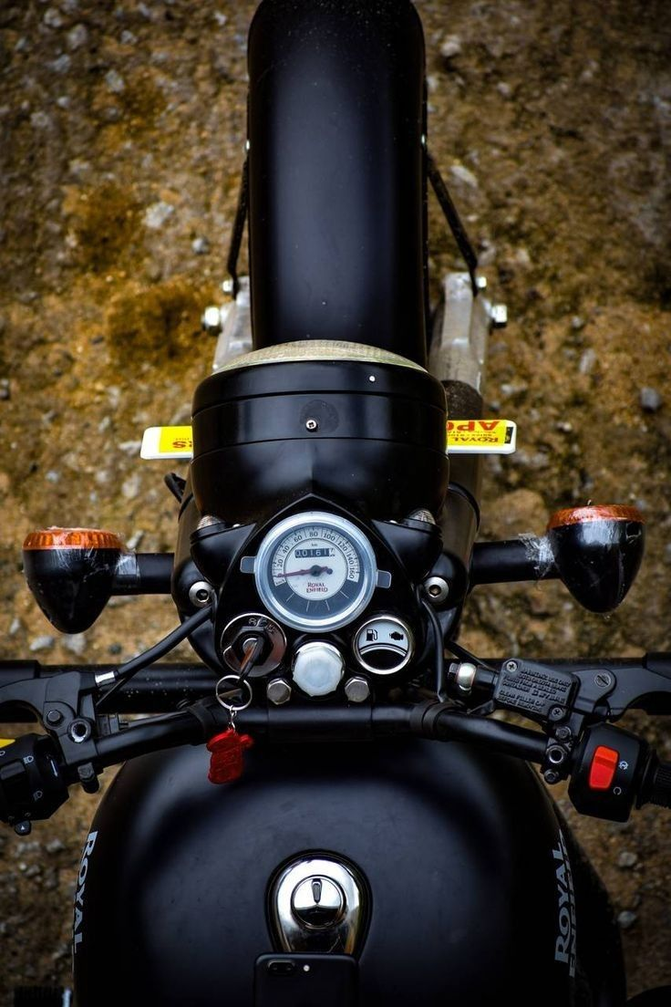 Royal Enfield Classic 500cc Stealth Black Royal Enfield Wallpapers Bullet Bike Royal Enfield Royal Enfield Hd Wallpapers