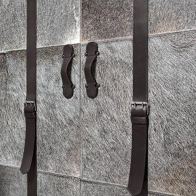Serge De Troyer Collection Leather Trunk Bar Cart Finish: Iguana Golden Brown, Nailhead Trim: Silver