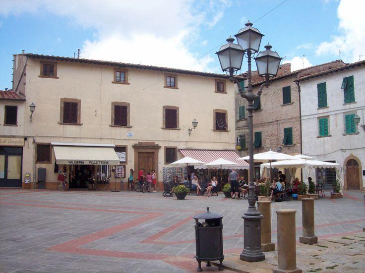 The square in Montaione