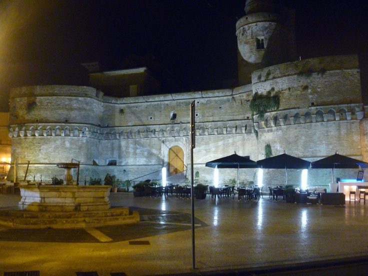 Castle in Vasto centre. It's an amazing place to eat and drink at night.