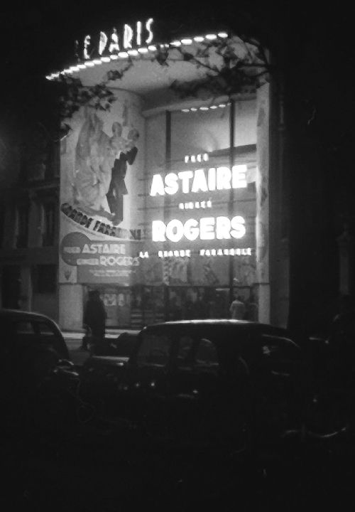 Le Paris Cinema showing the  Fred Astaire-Ginger Rogers film La Grande Farandole [The Story of Vernon and Irene Castle], Paris, 1939