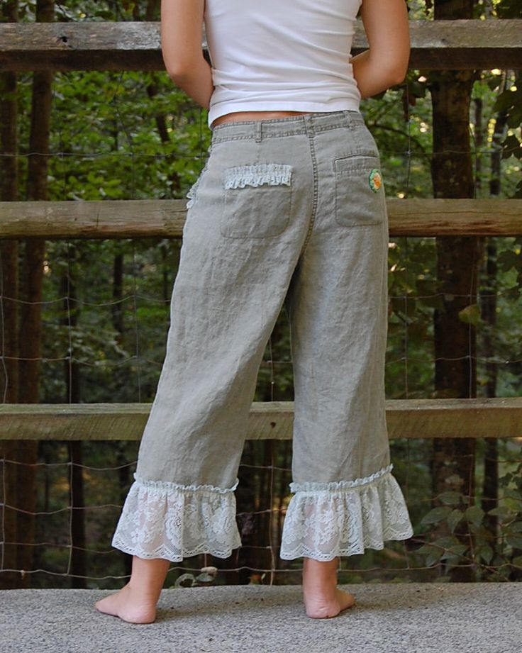 Linen Pants with Ruffle Eek! These are really cute!