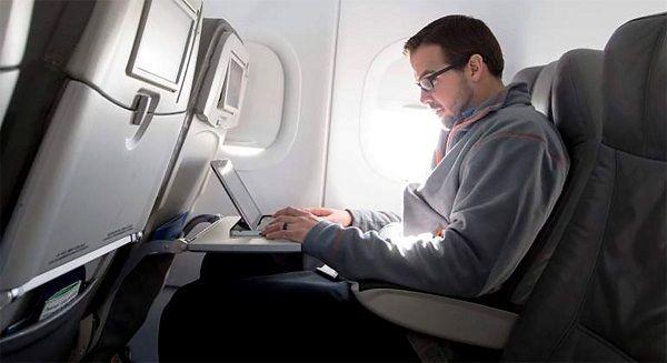 EU considera prohibir laptops para vuelos internacionales