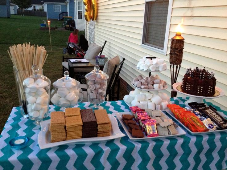 smores bar- nice setup. note peppermint patties for mint chocolate chip smores
