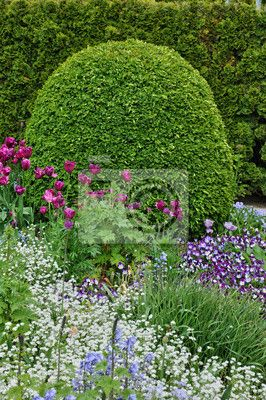 Stock photo of Normandie, a public garden in Giverny 56755444 - image 56755444