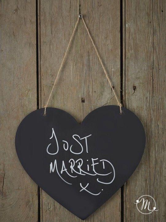 Insegna d'amore a forma di cuore in stile vintage color lavagna.  Per il grande giorno e a casa per scrivere i promemoria.  Misure: 26 cm nel punto più largo.  #matrimonio #wedding #cuore #justmarried #vintage #lavagna #party #ceremony #nozze #allestimenti #accessori