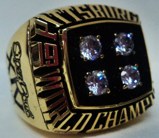1979 Pittsburgh Steelers NFL Super Bowl Championship Replica Rings.