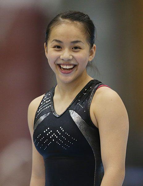 体操女子日本代表の強化合宿で、笑顔を見せる村…:女子体操 村上茉愛 写真特集 - リオ五輪・パラリンピック 2016:時事ドットコム
