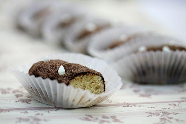вдывает свое название. Но уже много лет эти пирожные делают с добавлением какао, по очень прозаической причине - чтобы скрыть некачественный...