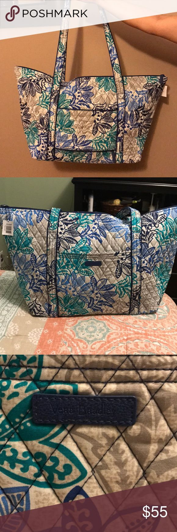 Large Vera Bradley tote bag NWT Large Vera Bradley tote bag with zipper, brand new, never used with tags!! Perfect for travel Vera Bradley Bags Totes