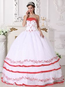 Beaded White Quinceanera Gown Dresses with Red Frills and Appliques