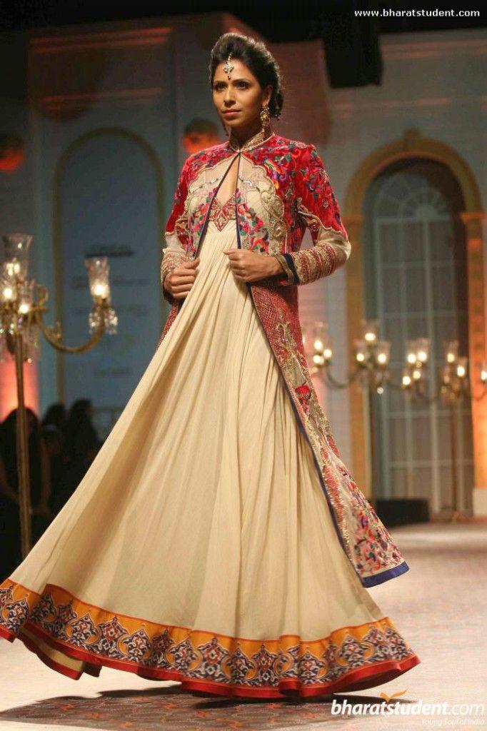 Mandira Wirk at Aamby Valley India Bridal Fashion Week 2013