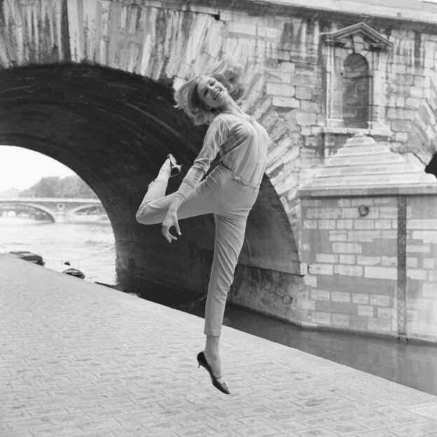 """Lennart Green, """"Saut sur la berge du pont Marie"""", lambda print, Paris 1964, 30x30cm, x/10."""