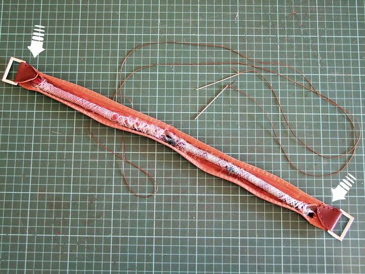 Artesania en cuero. En Gijon, Asturias. Marroquineria. Bolsos, carteras, agendas y otros articulos de piel hechos a mano. Handcrafted leather goods.