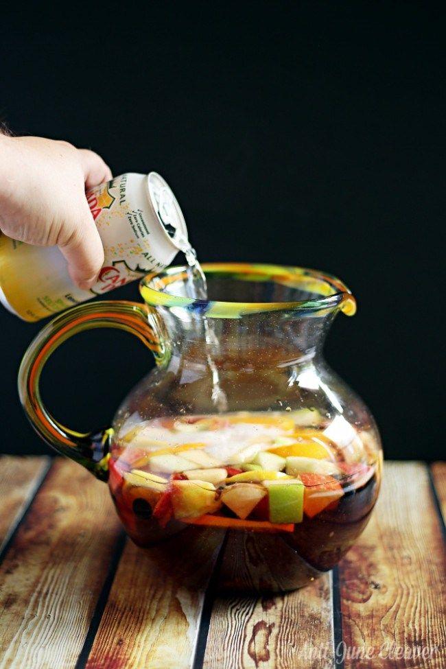 How to make a non-alcoholic Sangria mocktail #SimplySparkling (ad)