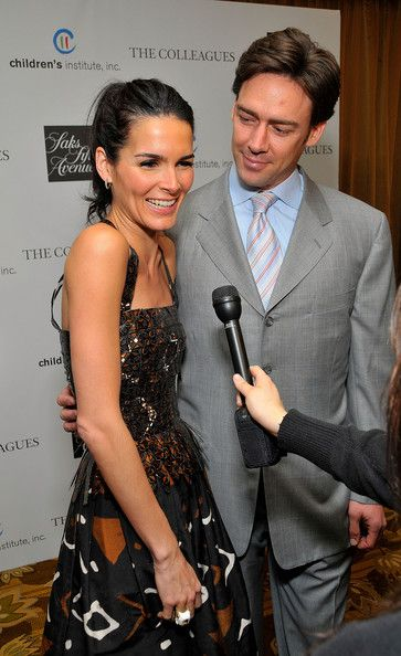 Angie Harmon Jason Sehorn Photos - Actress Angie Harmon and her husband Jason Sehorn attend Saks Fifth Avenue's 20th Annual Spring Luncheon at the Beverly Wilshire Hotel on April 9, 2008 in Beverly Hills, California. - Saks Fifth Avenue's 20th Annual Spring Luncheon