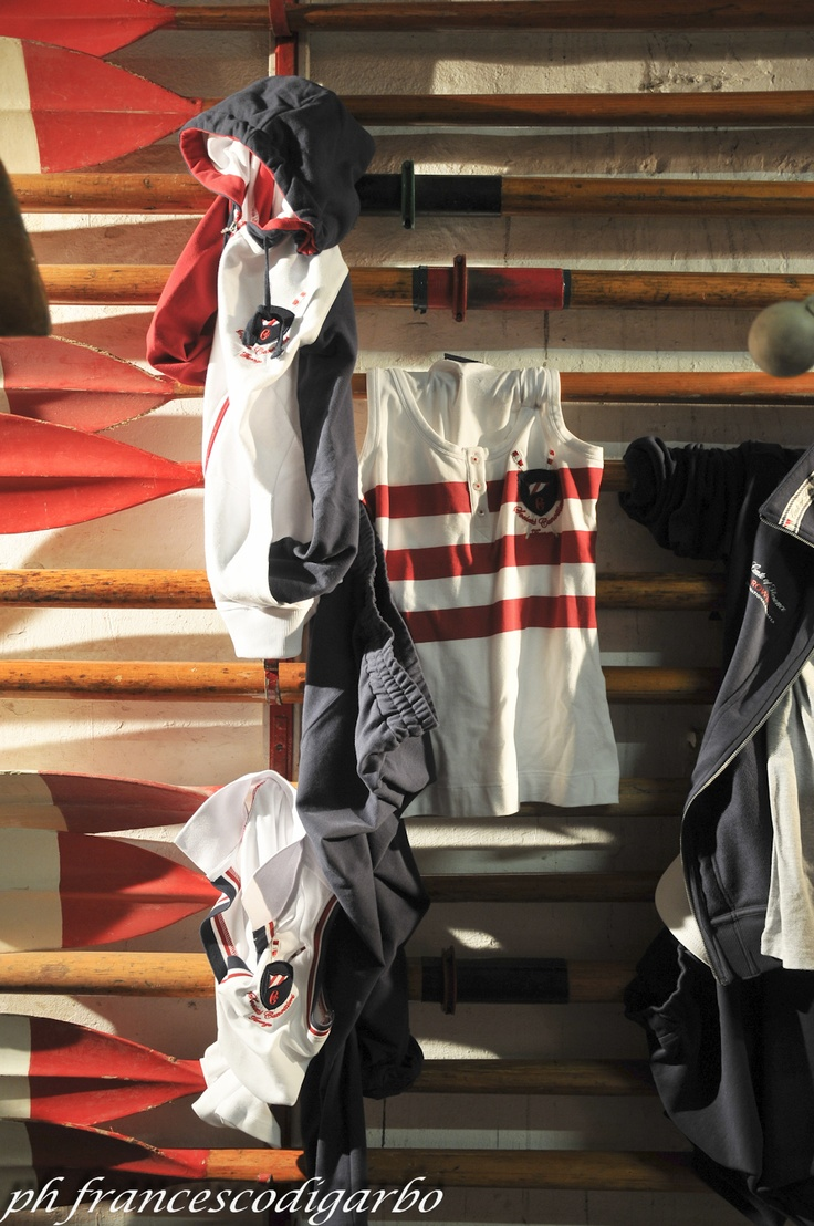 Conte of Florence 2013 Spring Summer Collection - Photo by Francesco Di Garbo #colours #red #white #blue #summer #fashion #conteofflorence #rowing #stripes