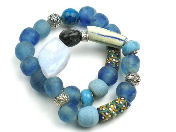 Chunky Stretch Bracelet in Blue with Chalcedony Slice