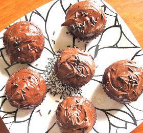 The Petite Athleat: Paleo Chocolate Cupcakes