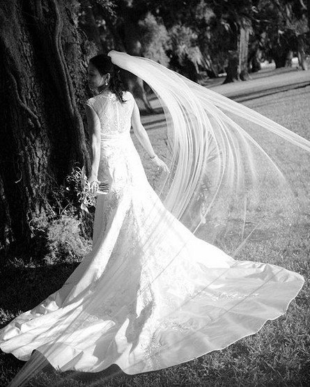 Custom Make White Ivory Wedding Veil Bridal Veil Cut Edge 3 Meters Floor Length Cathedral Veil Two Tiers with Comb