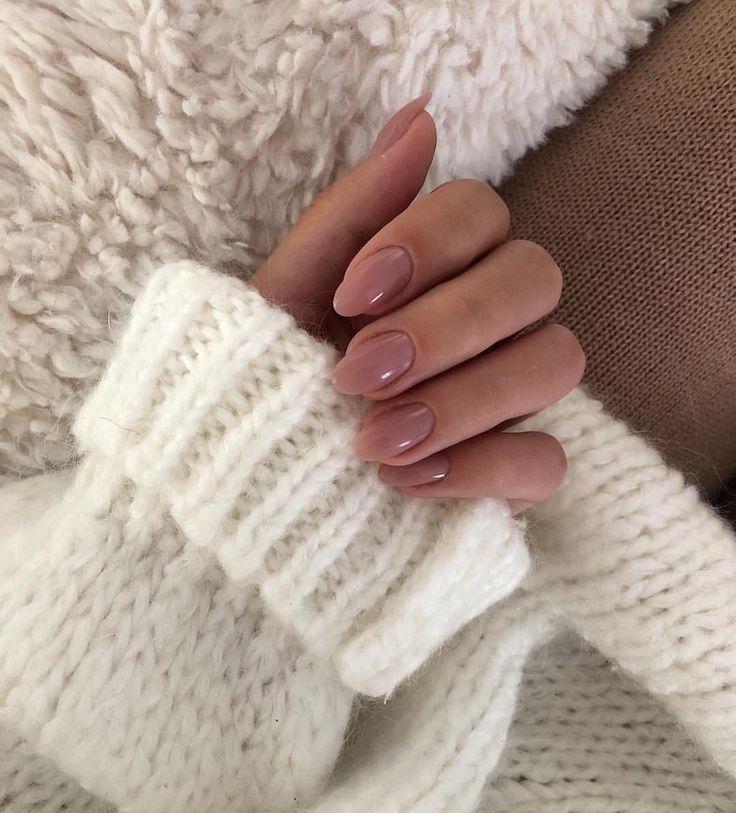 """MAJOR STREET STYLE auf Instagram: """"Kuscheliger Pullover und hübsche Nägel? @Doses_of_style – Nageldesign"""