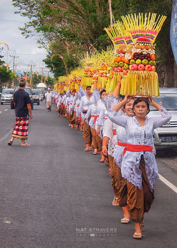 Mepeed is a procession of women carrying gebogan (offerings) toward the temple