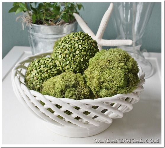 Decorative Pea and Moss Balls - super simple craft that celebrates the beauty of natural decor.