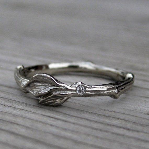 twig and leaf wedding ring | rustic wedding rings by Kristin Coffin Jewelry http://emmalinebride.com/rustic/wedding-rings/