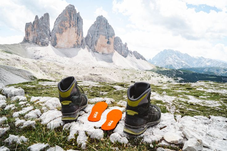 Hiking adventures are calling! On tour with the WildFash WoolSteps made of merino woolfelt. ⛰ #keepitwild #wanderlust #wander #neverstopexploring #explorers #explore #exploredreamdiscover #backpacking #hiking #naturelovers #mountains #outdooradventures #travel #sustainable #sustainablefashion #organicfashion #organic #ecologically #fashion #wildfash #wilderness #trecrime #auronzo #italy #visititaly #italia #dolomiti #dolomites #woolsteps #insoles