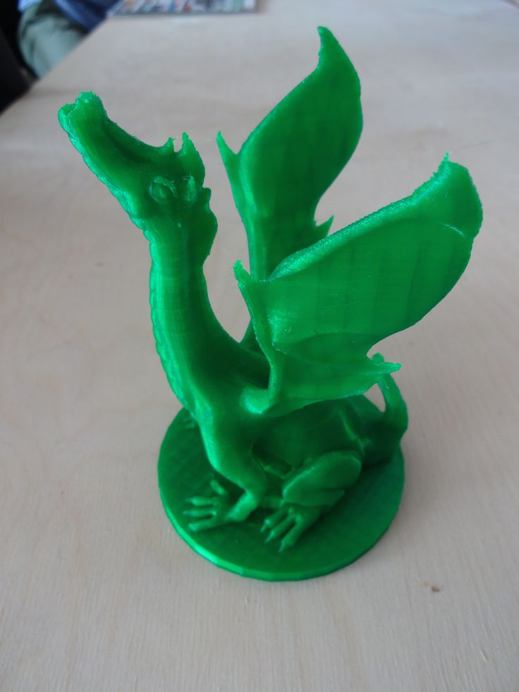 There are no dungeons here in Pirx HQ, but hey! we have dragon #3dprint #pirxprinter #3dprinting