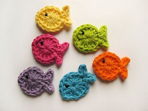CROCHET fishies . . . I've been hunting for a simple goldfish pattern to put on a child's afghan.  Maybe a friend can help me learn to do these . . . .