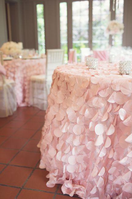 #Pink #Wedding #Weddingtable #Decoration #Flowers #Pionies