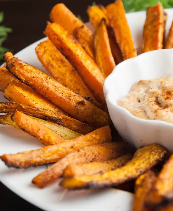 Move over potatoes! Carrots are the new fry in town. These smoky, savory fries provide all the comfort without all the calories. Paired with an easy vegan chili mayo