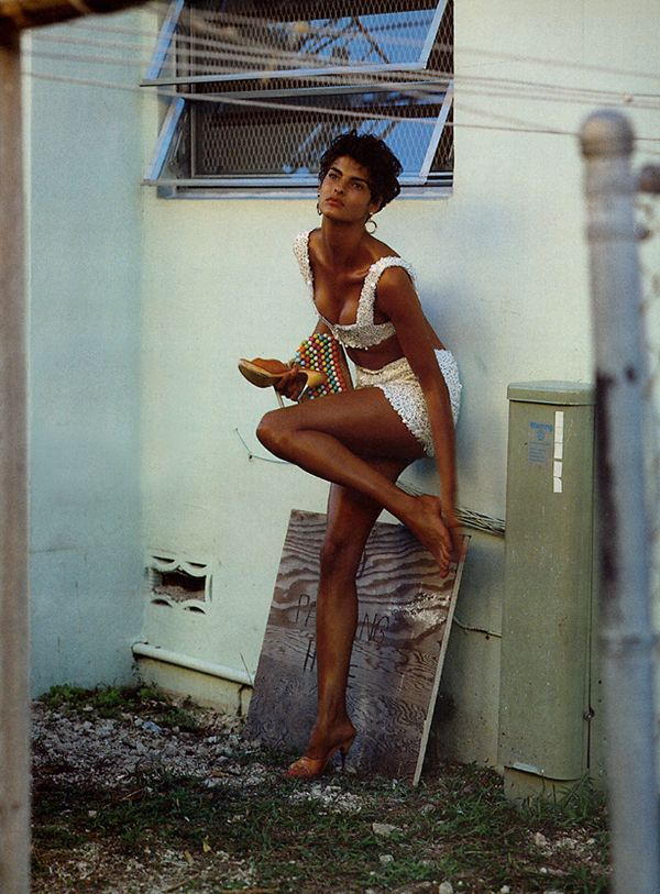 Linda Evangelista for Vogue Italia 1989. Photo by Steven Meisel.