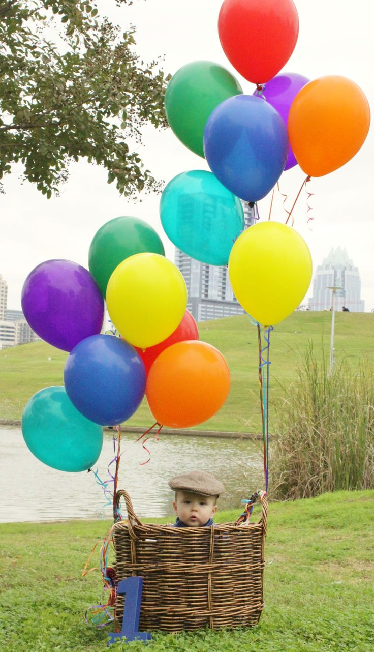 One year birthday baby boy photography balloons basket