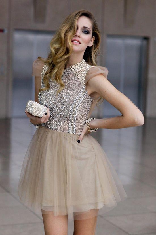 En şık mezuniyet kıyafetleri için galerimize göz atın:  http://neduydum.com/moda-trendler/101/en-sik-mezuniyet-elbiseleri/57568.htm
