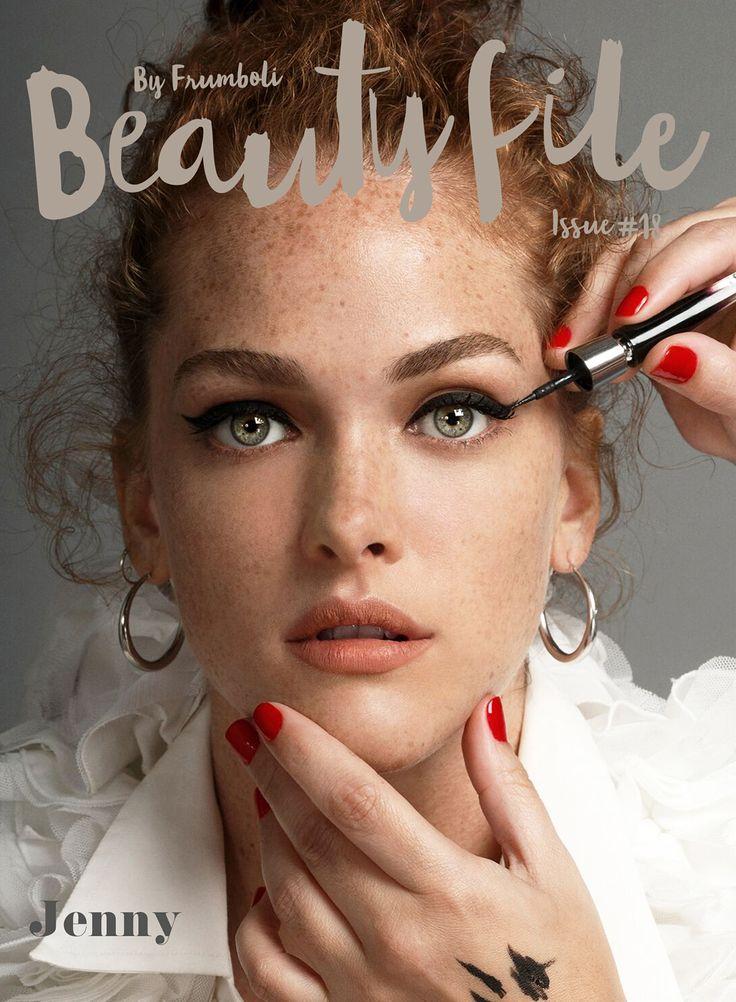 Jenny Martínez cuenta sus tips de belleza en #BeautyFile. Makeup look by Bettina Frúmboli.
