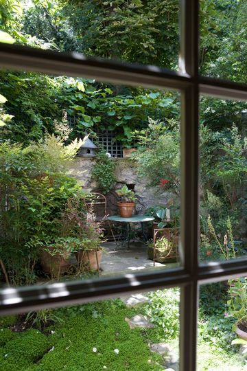 a delightful dining corner in the garden....