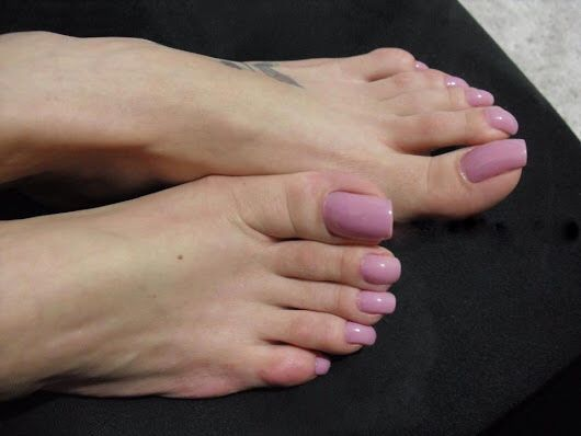 brazilian female feet