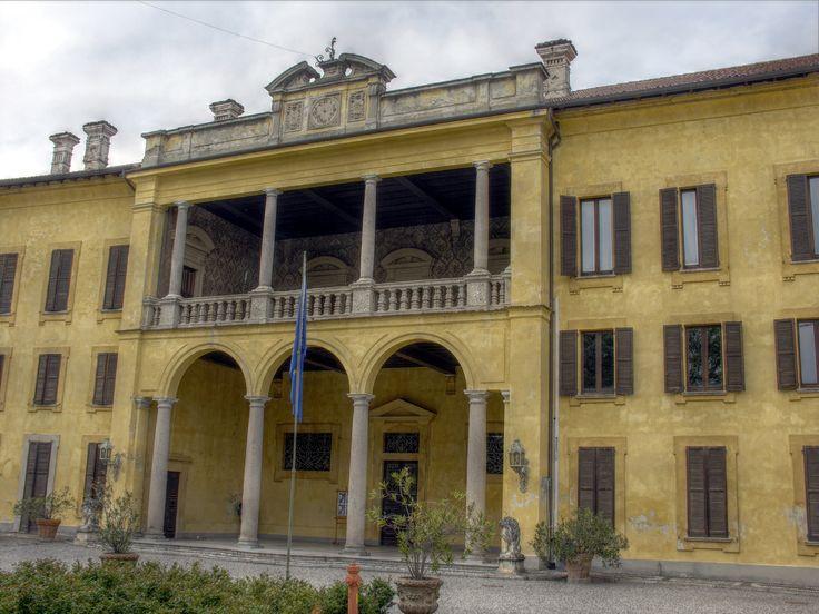 Castano Primo - Villa Rusconi facciata
