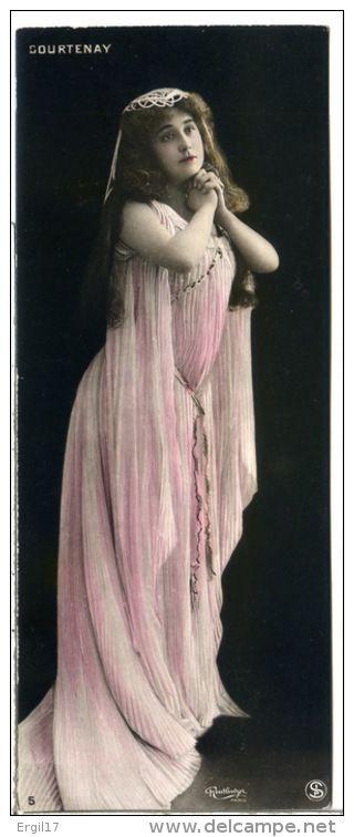 Vera Courtenay | 2 scans - Photo REUTLINGER - Véra COURTENAY- Soprano à l'Opéra Comique - Format marque-page